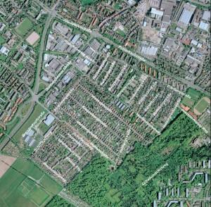 Die Luftaufnahme zeigt sehr deutlich die verschiedenen Abschnitte der Heidenstückersiedlung. In der Mitte der älteste Teil, südlich davon die erste Erweiterung und im Norden der neueste Teil.
